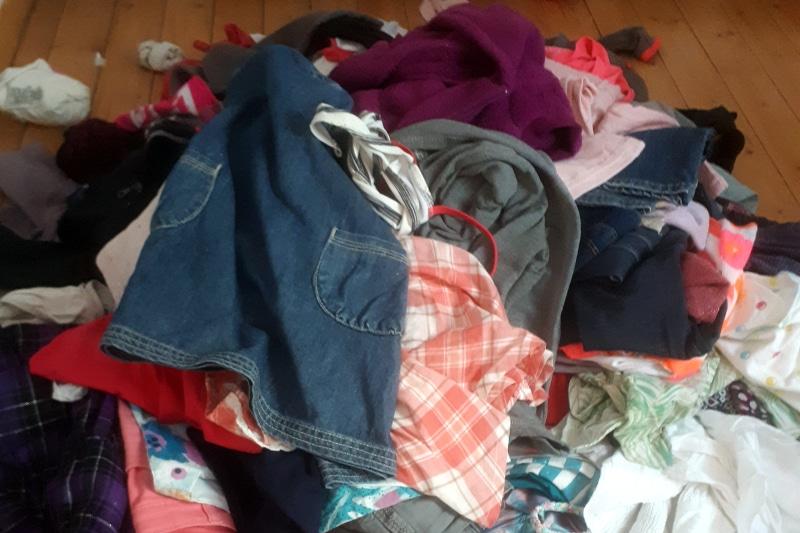 un tas de vêtements